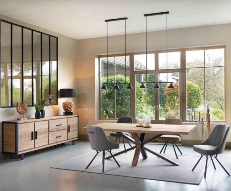 Magasin spécialisé dans la vente de meubles modernes pour ...